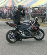 le motard noir