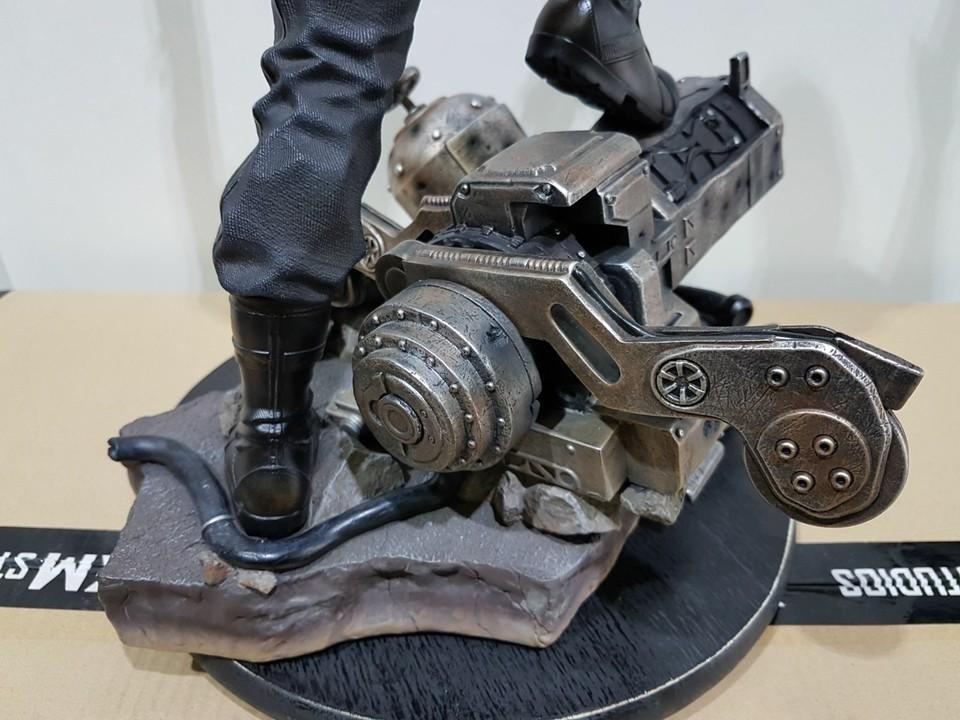 Premium collectibles : Winter Soldier  26951757_101553690708x0qlq