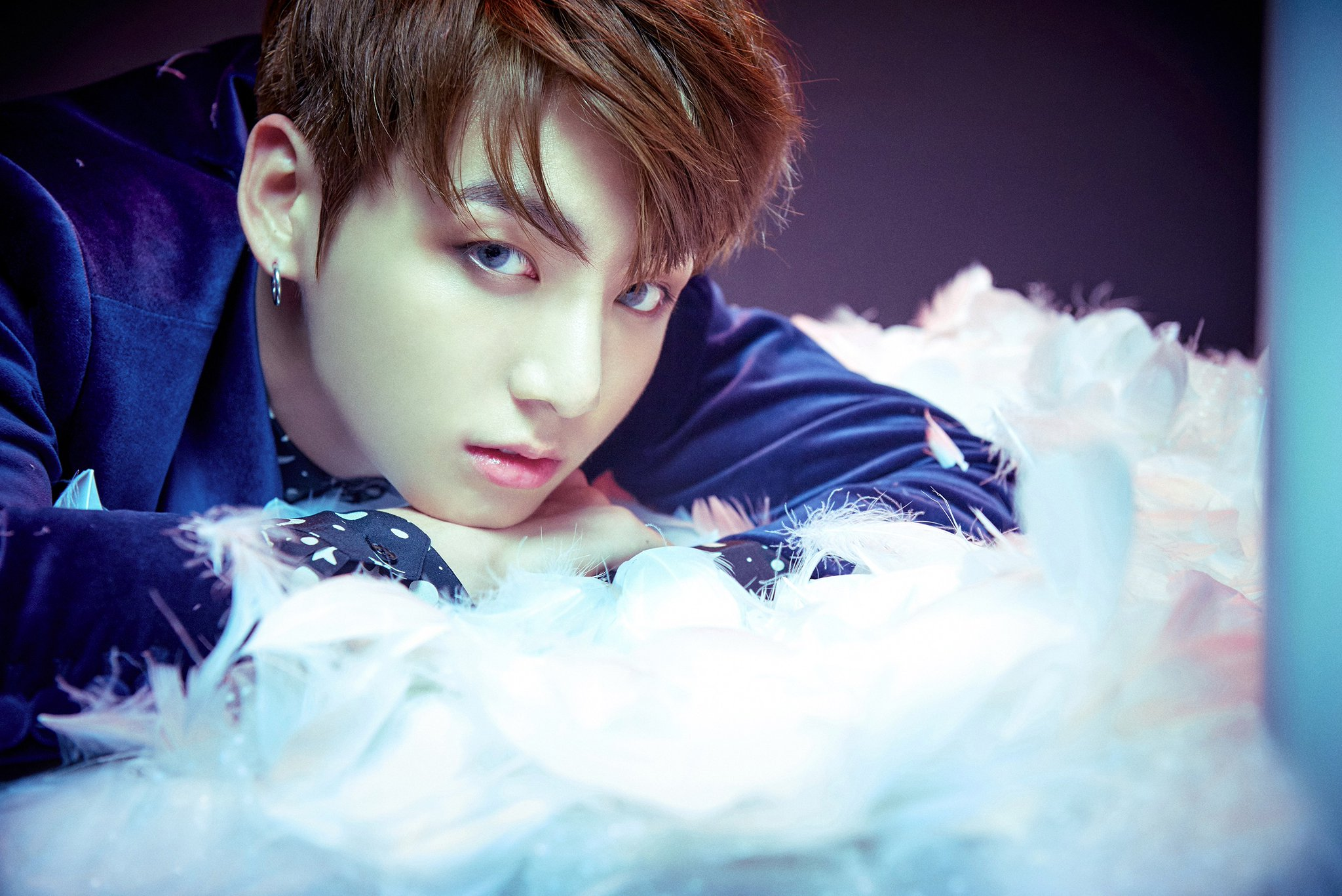 "BTS (Bangtan Boys) >> Album ""The Beautiful Moment in Life: The Notes"" - Página 4 Bts-jungkook-1"