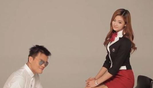 """Twice >> Album """"Twicetagram"""" - Página 2 Park-Jin-Young-Tzuyu"""