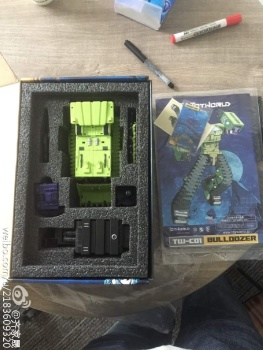 [Toyworld] Produit Tiers - Jouet TW-C Constructor aka Devastator/Dévastateur (Version vert G1 et jaune G2) - Page 2 17QTB0Hm