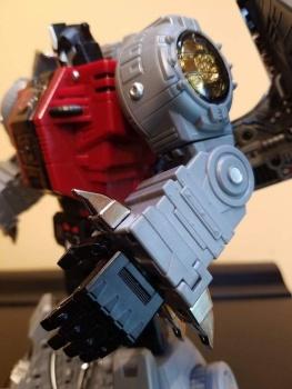 [Fanstoys] Produit Tiers - Dinobots - FT-04 Scoria, FT-05 Soar, FT-06 Sever, FT-07 Stomp, FT-08 Grinder - Page 9 1AHeDkJj