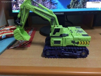 [Toyworld] Produit Tiers - Jouet TW-C Constructor aka Devastator/Dévastateur (Version vert G1 et jaune G2) - Page 4 2DujWTw4