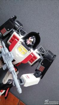 [DX9 Toys] Produit Tiers - UT-D01 Salmoore (aka Cykill des GoBots) + 003C Cocomone (aka Crasher/Démo des GoBots) 2bnOD1Fl
