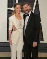 """Leslie Mann """"2015 Vanity Fair Oscar Party hosted by Graydon Carter at Wallis Annenberg Center for the Performing Arts in Beverly Hills"""" (22.02.2015) 126x  4LK8HPjH"""