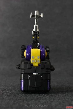 [Fanstoys] Produit Tiers - Jouet FT-12 Grenadier / FT-13 Mercenary / FT-14 Forager - aka Insecticons - Page 2 6ARZxQu5