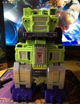 [Toyworld] Produit Tiers - Jouet TW-C Constructor aka Devastator/Dévastateur (Version vert G1 et jaune G2) - Page 6 HgheBYFZ