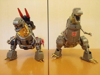 [Toyworld][Zeta Toys] Produit Tiers - Jouet TW-D aka Combiner Dinobots OJpxHb7X