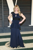 """Courtney Love """"2015 Vanity Fair Oscar Party hosted by Graydon Carter at Wallis Annenberg Center for the Performing Arts in Beverly Hills"""" (22.02.2015) 49x QxDB1LOy"""