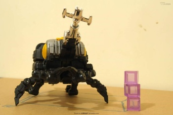 [Fanstoys] Produit Tiers - Jouet FT-12 Grenadier / FT-13 Mercenary / FT-14 Forager - aka Insecticons - Page 2 TqtnwWb1