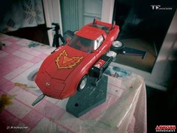 [Masterpiece] MP-25L LoudPedal (Noir) + MP-26 Road Rage (Rouge) ― aka Tracks/Le Sillage Diaclone - Page 2 ZJH0bIAi