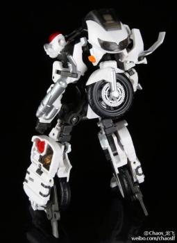 [MakeToys] Produit Tiers - Jouet MTCM-04 Guardia (aka Protectobots - Defensor/Defenso) - Page 2 FmXfVvld