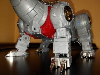 [Fanstoys] Produit Tiers - Dinobots - FT-04 Scoria, FT-05 Soar, FT-06 Sever, FT-07 Stomp, FT-08 Grinder - Page 9 H6A33DtW