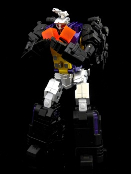 [Fanstoys] Produit Tiers - Jouet FT-12 Grenadier / FT-13 Mercenary / FT-14 Forager - aka Insecticons - Page 2 JD87LRl7