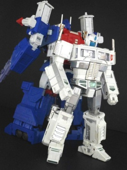 Masterpiece G1 - KO/Bootleg/Knockoff Transformers - Nouveautés, Questions, Réponses - Page 5 Jy2PjyVa
