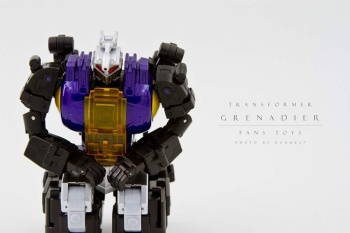 [Fanstoys] Produit Tiers - Jouet FT-12 Grenadier / FT-13 Mercenary / FT-14 Forager - aka Insecticons - Page 2 KYqj5Ezl