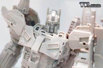 [Mastermind Creations] Produit Tiers - R-17 Carnifex - aka Overlord (TF Masterforce) NAhJKOQF