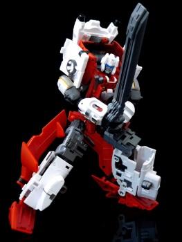 [MakeToys] Produit Tiers - Jouet MTCM-04 Guardia (aka Protectobots - Defensor/Defenso) - Page 3 OTTeUhhB