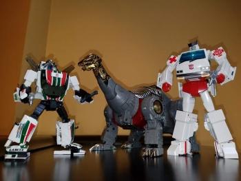 [Fanstoys] Produit Tiers - Dinobots - FT-04 Scoria, FT-05 Soar, FT-06 Sever, FT-07 Stomp, FT-08 Grinder - Page 9 PaCnb4h9