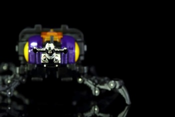 [Fanstoys] Produit Tiers - Jouet FT-12 Grenadier / FT-13 Mercenary / FT-14 Forager - aka Insecticons - Page 2 UHIrKjJE
