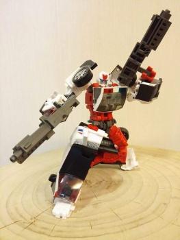 [MakeToys] Produit Tiers - Jouet MTCM-04 Guardia (aka Protectobots - Defensor/Defenso) - Page 2 UQwsKreX