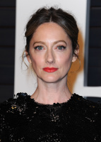 """Judy Greer """"2015 Vanity Fair Oscar Party hosted by Graydon Carter at Wallis Annenberg Center for the Performing Arts in Beverly Hills"""" (22.02.2015) 31x VZ72wbrO"""
