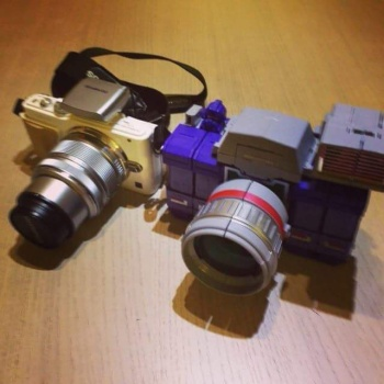 [Fanstoys] Produit Tiers - Jouet FT-11 Spotter - aka Reflector/Réflecteur - Page 2 ZNHMnjZA