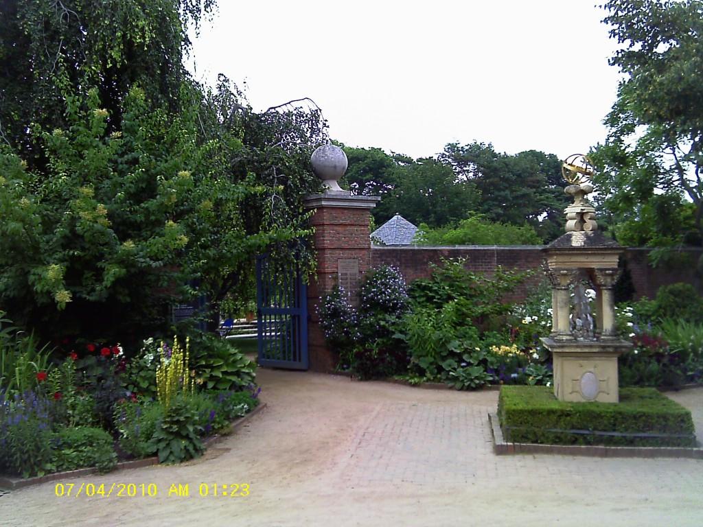 Vrtovi - Page 2 Chicago-Bot-Garden-English-Garden-1024x768