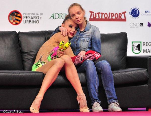 Les moments complices gymnaste/entraîneur 3160778926_1_12_RUiKWl8F