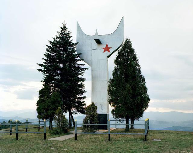 Construcciones abandonadas de la antigua URSS Spomenik_26