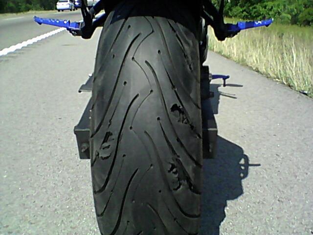 Arrachement bande de roulement Michelin_Pilot3_Gone_bad2