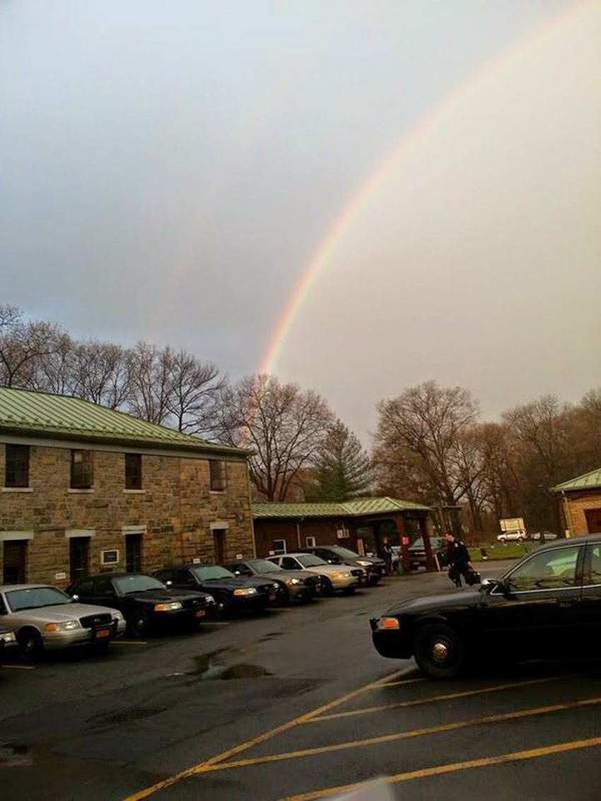 "WEATHER PHENOMENON: ""I Didn't Realize How Rare It Was,... It Was Beautiful"" - QUADRUPLE RAINBOWS Spotted On Long Island, New York! [PHOTOS] Quadruple_rainbows04"
