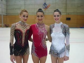 Julia Uson(Espagne) 300750_285096398174494_167425699941565_1361733_1614263173_n
