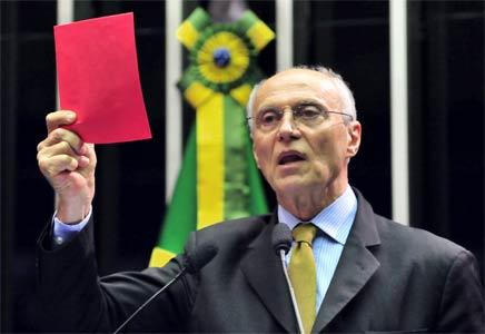 Política Interna, Palacianas e Intrigas de São Paulo Suplicy-cartao-vermelho-pt-senado