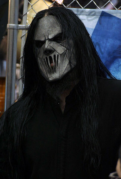 Slipknot Unmasked  407px-Mick_Thomson-JD