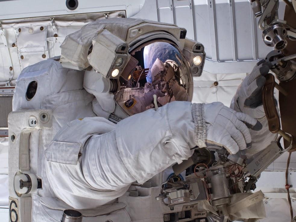 --Работа шаттла на орбите : фотографии-- ShuttleB