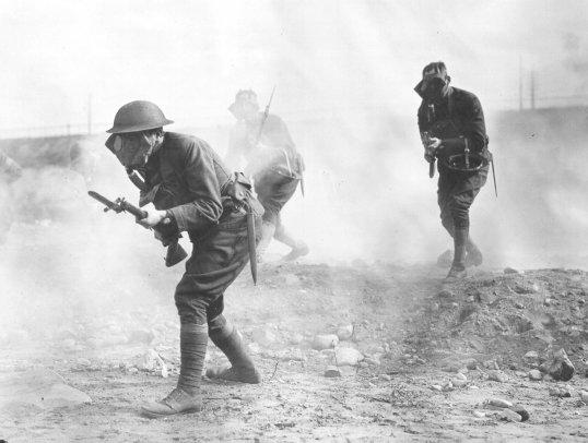 """مقارنة بين مصر واسرائيل """" المقارنة الاشمل """" - صفحة 14 WW1-mustard-gas-attack"""