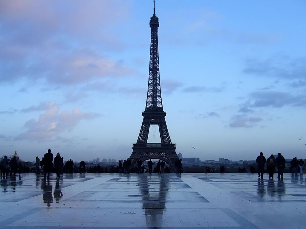 Najlepše svetske građevine Gradovi-pozadine-za-desktop-0028-Pariz-Francuska