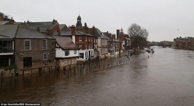 Northern Europe battered: Storms Gorm and Clodagh deliver winds of 100mph! Tens of thousands without power more flooding throughout the UK  2EED4A8500000578-3339049-image-m-114_1448886246775