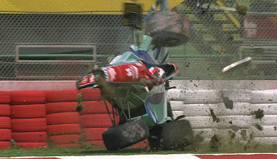 HISTORIA DE LA F1 DESDE 1950 HASTA EL 2000 *F1 By Riky * Barrichello-unfall-imola-1994-514