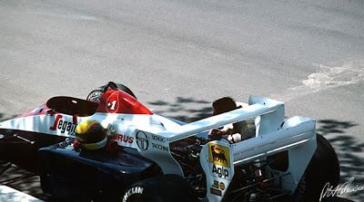 """AYRTON SENNA Y LOS 4 MILIMETROS EN: """"EL ATAQUE DE LA PARED"""" F1 By Riki"""" Senna-dallas-1984-f1-grandprix-grandprixtoons"""