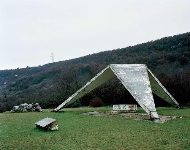 Construcciones abandonadas de la antigua URSS Spomenik_25
