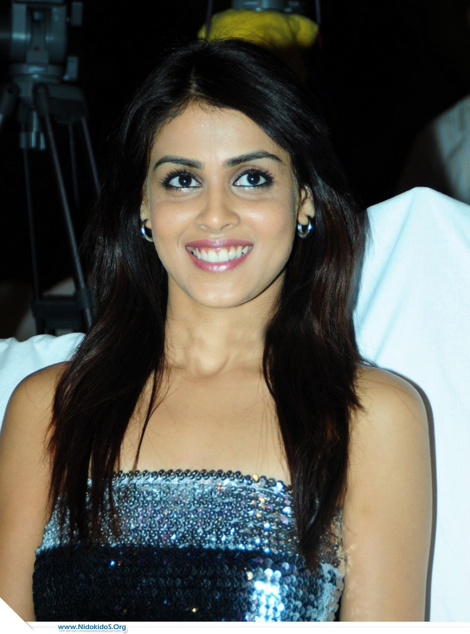Genelia's outfit at functions in Skirt 67356_gen6_1