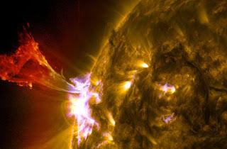 A maggio picco dell'attivita' solare, attese tempeste geomagnetiche  Brillamento-solare-02
