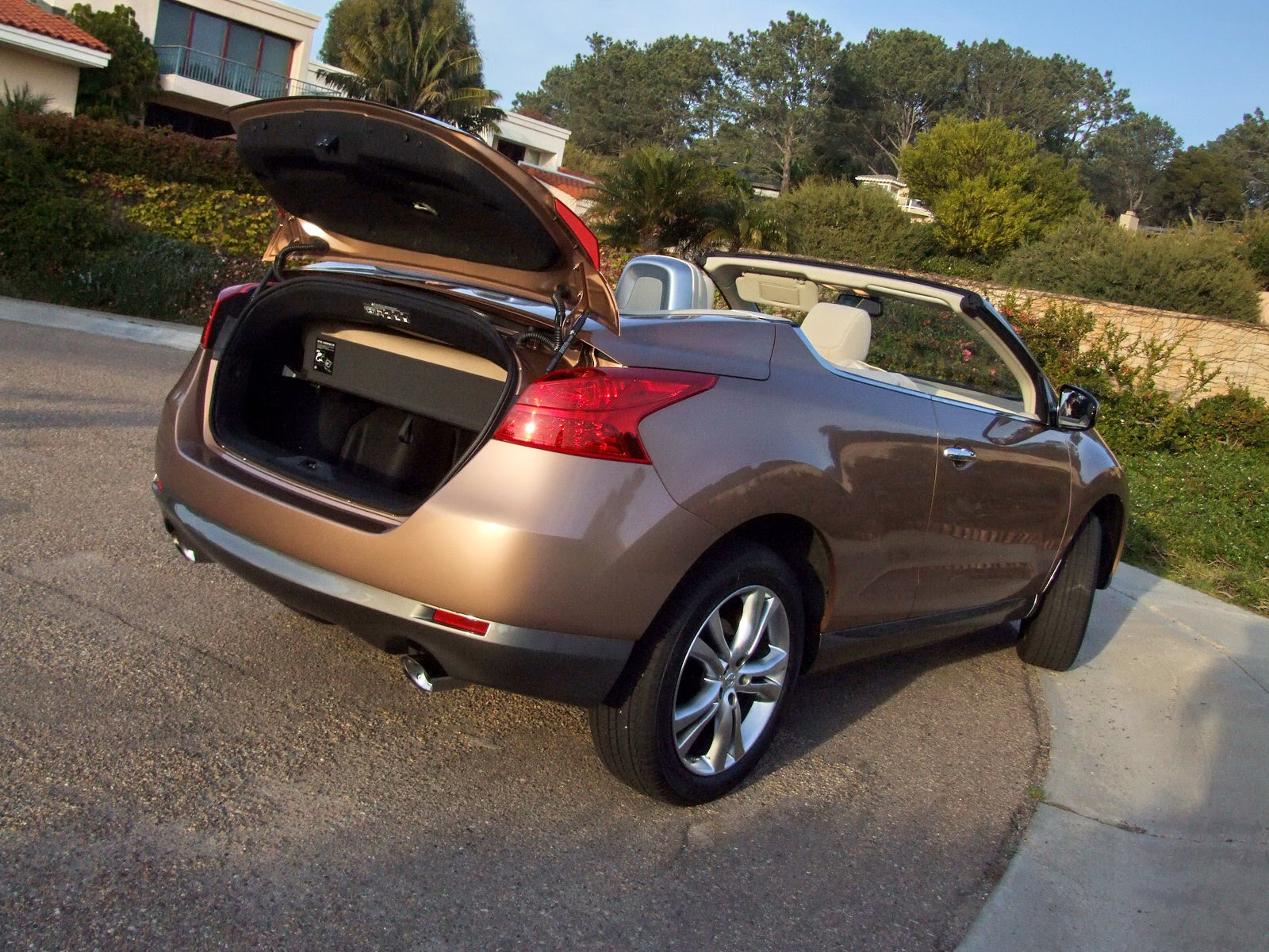 2010 - [Nissan] Murano CrossCabriolet - Page 4 2011-Nissan-Murano-CC-TD-617