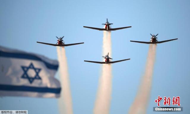 Israel - Página 16 Israeli%2Bair%2Bforce%2Bdemonstration%2B3