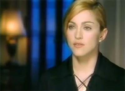 Debates con MLVC - Tópico 2: ¿Qué debería hacer ahora? - Página 2 Madonna-1995-versace-fashion-awards-evita-interview-dvd-c396a