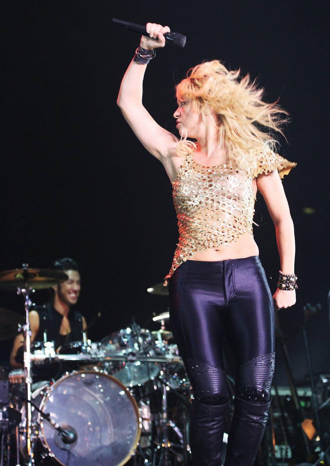 Galería » Apariciones, candids, conciertos... 78213_Shakira_PerformingliveinAssagoForuminMilanItalyMay32011_By_oTTo1_122_676lo