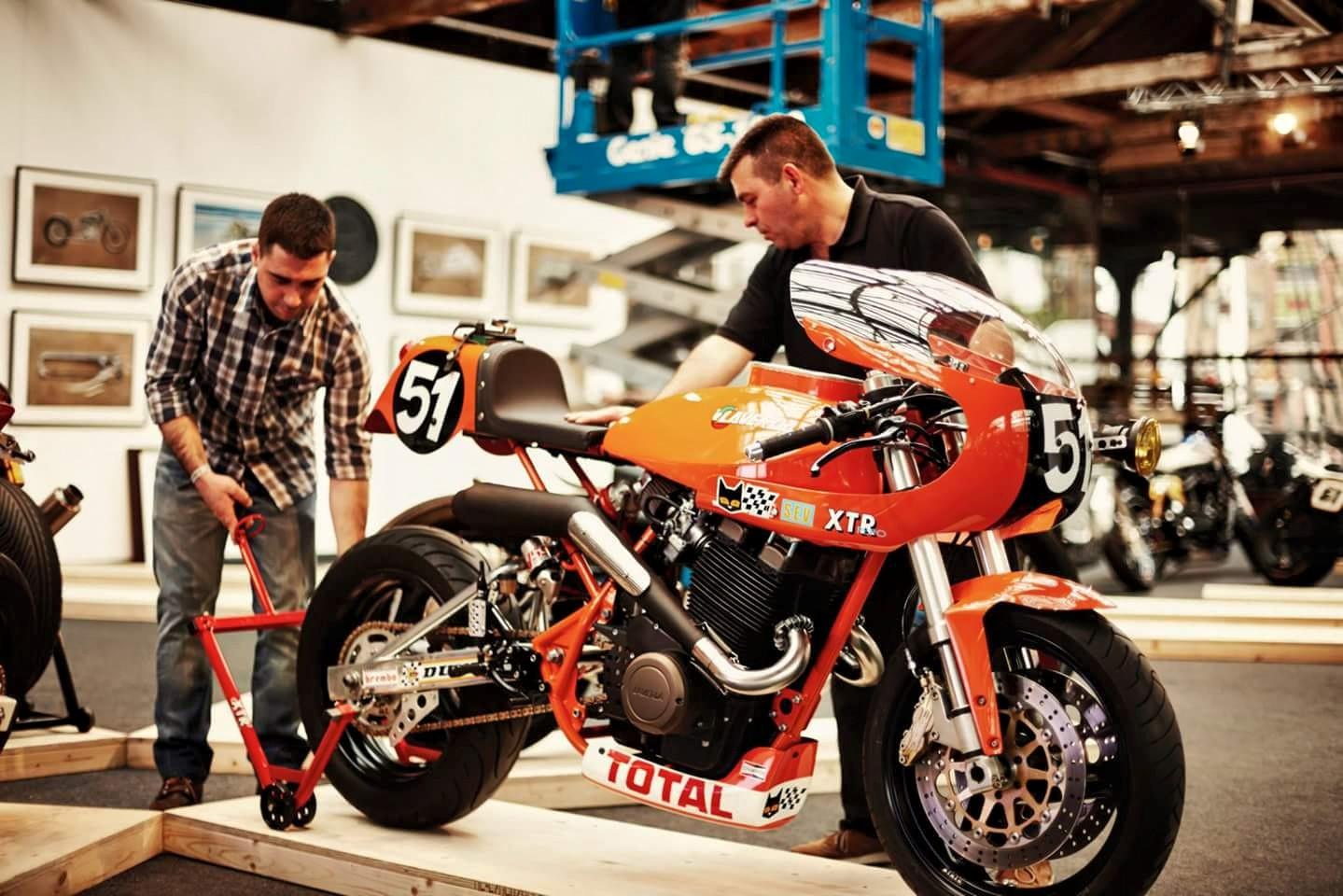 Racer, Oldies, naked ... TOPIC n°3 Monty%2B-003