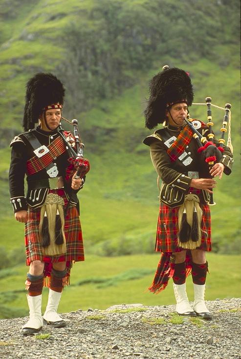 Trajes tipico do mundo  Traje-tipico-escoces